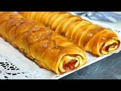 Pan de jamón venezolano fácil. ¡El auténtico con receta venezolana! - YouTube Hot Dog Buns, Hot Dogs, Pan Relleno, Spanish Cuisine, Pie Cake, Empanadas, Menu, Thanksgiving, Dishes