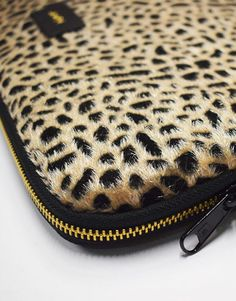 funda-portatil-leopardo-4 Zip Around Wallet, Collection, Fashion, Notebook Covers, Plushies, Black, Moda, Fashion Styles, Fashion Illustrations