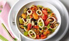 Salada de lula e mexilhão com molho picante