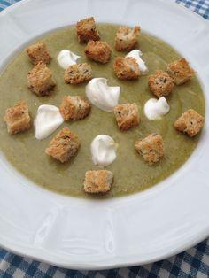 Supa crema de broccoli Supe, Hummus, Ethnic Recipes, Food, Cream, Essen, Meals, Yemek, Eten