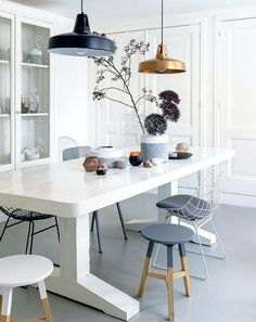 Stools to mix, dining room decor, dining room ideas
