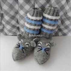 hiiri piiperoiset ohje - Kikiliakii neuloo - Vuodatus.net Marimekko, Knitting Socks, Baby Shoes, Slippers, Barn, Socks, Amigurumi, Knitting Designs, Knit Patterns