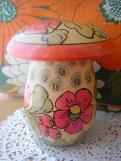 (R11)*ロシアの花柄マッシュルームのヴィンテージ*キャニスター*キッチュきのこ木製レトロ - *林檎手芸店*~ヴィンテージ雑貨&生地~ Wooden Mushroom