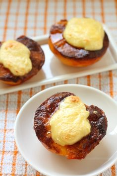 Cheesecake-Stuffed Peaches by @Carla | Chocolate Moosey
