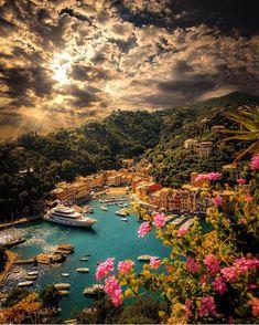 Breathtaking sunset in Portofino, Italy. 📷 Breathtaking sunset in Portofino, Italy. Beautiful Places To Travel, Wonderful Places, Beautiful World, Beautiful Sunset, Wonderful Picture, Amazing Places, Beautiful Things, Beautiful Dresses, Beautiful Pictures