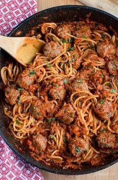 Syn Free Spaghetti and Meatballs - gluten free, dairy free, Slimming World and W. - astuce recette minceur girl world world recipes world snacks Slimming World Dinners, Slimming World Recipes Syn Free, Slimming World Diet, Slimming Eats, Slimming Word, Italian Recipes, Beef Recipes, Cooking Recipes, Healthy Recipes