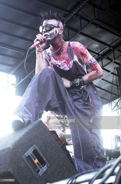News Photo : Mudvayne on at Ozzfest in Chicago, Il. Nu Metal, Black Metal, Chad Gray, Paul Gray, Where Is My Mind, Heavy Metal Music, Music Therapy, My Favorite Music, Music Stuff