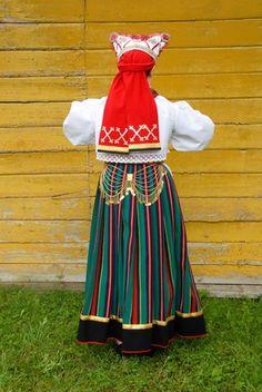Reigi, island Hiiumaa, West Estonia  Eesti Rahvarõivad > Reigi naine. #COLOURFULESTONIA #VISITESTONIA