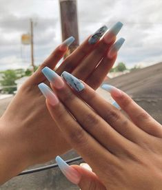11 Ombré Nude to blue nail art designs - nails 11 Ombré Nude to Blue Nail Art Designs - Nägel Kunst Best Acrylic Nails, Acrylic Nail Designs, Acrylic Nail Art, Ombre Nails Tutorial, Nagel Piercing, Aycrlic Nails, Coffin Nails, Dream Nails, Powder Nails