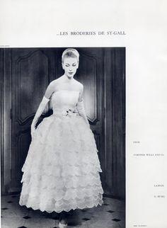Christian Dior - Yves Saint-Laurent (première collection) été 1958 Photo Joseph Grove