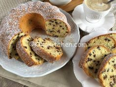 Ciambellone con gocce di cioccolato fondente | Kikakitchen Oreo, French Toast, Breakfast, Sweet, Food, Cheesecake, Times, Pound Cake, Food Cakes