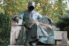 Anonymus Szobor (Anonymous' Statue) (Budapest, Hungary): Address, Attraction Reviews - TripAdvisor
