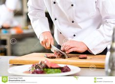 Chef in hotel or restaurant kitchen cooking, only hands, he is cutting meat or steak for a dish on plate - stock photo Get Healthy, Healthy Menu, Poke Bowl, Restaurant Kitchen, Restaurant Recipes, Cooking Restaurant, Round Eye Steak Recipes, Super Bol, Minute Steaks