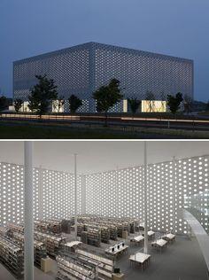 Kanazawa Umimirai Library, Kanazawa City, Japan Click image to see the full list of beautiful libraries.