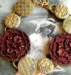 1800's vintage Victorian button bracelet