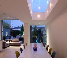Adding Las Vegas-style to a Chiswick party house - John Cullen Lighting Kitchen Extension Side Return, Kitchen Diner Extension, Open Plan Kitchen, Dining Room Lighting, Kitchen Lighting, Roof Design, House Design, Skylight Window, House Extensions