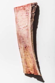 Make Bone Marrow at Home. Yellow Things l yellow bone marrow Marrow Bones For Dogs, Beef Marrow Bones, Beef Bones, How To Cook Marrow, Marrow Recipe, Roasted Bone Marrow, Bone Broth Benefits, Acidic Foods, Cocktails