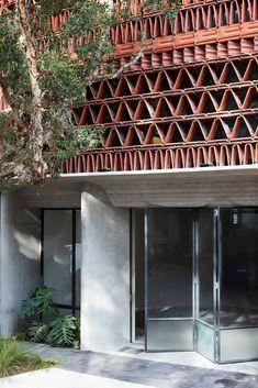 Gallery of The Beehive / Luigi Rosselli + Raffaello Rosselli - 17