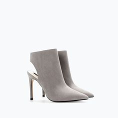these reminds me of kim kardashian for some reason. and they are vegan.   #vegan #vegetarian #shoes