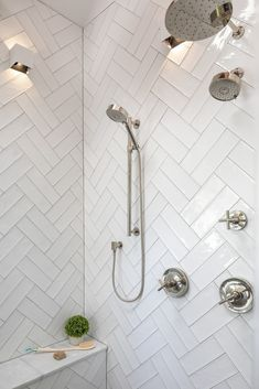 Granny pods farmhouse Modern Farmhouse Style Shower Design with White Double Herringbone Tile, Frameless Glass Shower Surround And Door, Custom Shower Niche, Linear Floor Drain, and Curbless Entry. Bathtub Tile Surround, Shower Surround, Upstairs Bathrooms, Master Bathroom, Bathroom Niche, Bathroom Goals, Downstairs Bathroom, Bathroom Inspo, Washroom