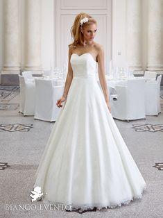 ASTER | Bianco Evento - Brautaccessoires - bridal accessories - Schleier - Reifrock - Brautjacken -                                                                                                                                                                                 Mehr