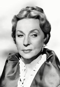 Old Hollywood Movies, Hollywood Actresses, Classic Hollywood, Actors & Actresses, Agnes Moorehead, Bewitched Cast, 30 Day Abs, Elizabeth Montgomery, Vincent Price
