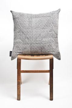 Weaving Textiles, Cushions, Throw Pillows, Fabric, Chic Dress, Tejido, Cushion, Pillows, Decorative Pillows