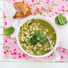 white bean and spinach pesto soup #vegan