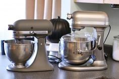 The new KitchenAid 7 Quart Stand Mixer.  Review and comparison.
