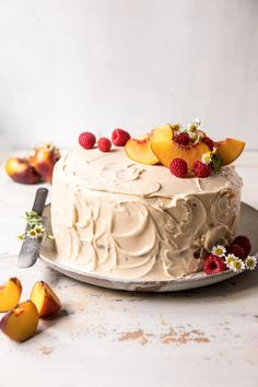 Peach Ricotta Layer Cake with Browned Butter Buttercream. Peach Ricotta Layer Cake with Browned Butter Buttercream Dessert Crepes, Coconut Dessert, Coconut Cakes, Lemon Cakes, Fruit Dessert, Köstliche Desserts, Delicious Desserts, Yummy Food, Ricotta Torte