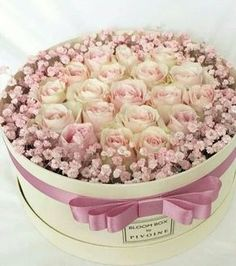 Trendy Ideas for flowers gift box mothers Beautiful Flower Arrangements, Fresh Flowers, Floral Arrangements, Beautiful Flowers, Flower Box Gift, Flower Boxes, My Flower, Rosen Box, Deco Nature