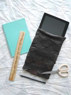 Easy still stylish DIY leather case for tablet/iPad