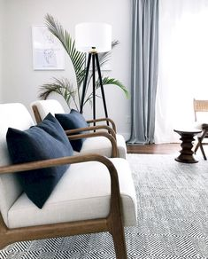 A small living-room can present a few layout challenges, but with the right style ideas, small spaces can be transformed to create spectacular living spaces. See our best living room design that can give you the best inspiration ! Room Interior, Interior Wall Colors, Modern Living Room, Home Decor, House Interior, Mid Century Modern Living Room, Interior Design, Living Decor, Living Room Designs