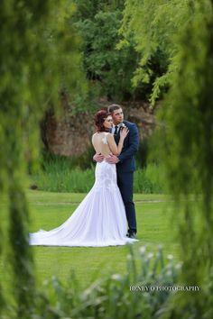 The Spectacular Sunset Wedding of Larissa & Juan Sunset Wedding, Wedding Couples, Wedding Styles, Weddings, Wedding Dresses, Photography, Fashion, Bride Dresses, Moda