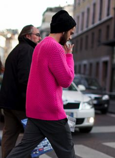 HOT PINK KNIT SWEATER BEANIE PIERCING MENS STREET STYLE LEE OLIVEIRA MENS STYLE FASHION BLOG