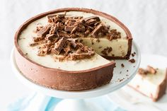 You will love this Tim Tam Cheesecake Recipe No Bake version. This is a dreamy dessert that everyone will love. Tim Tam Cheesecake, Cheesecake Bars, Cheesecake Recipes, Dessert Recipes, Just Desserts, Delicious Desserts, Delicious Cupcakes, Good Food, Yummy Food