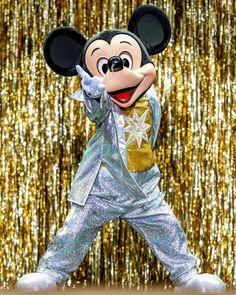 Park Photos, Shining Star, Maya, Minnie Mouse, Disney Characters, Fictional Characters, Instagram, Fantasy Characters, Maya Civilization