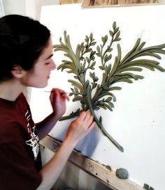 6.2012 Plaster Cornice, Plaster Art, Plaster Molds, Sculpture Art, Sculptures, Backdrop Design, Art Prompts, Acanthus, Texture Art