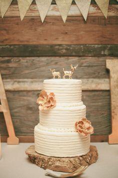 Rustic wedding cake: http://www.stylemepretty.com/little-black-book-blog/2014/05/09/cozy-union-hill-inn-wedding/   Photography: Onelove Photography - http://www.onelove-photo.com/
