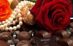 Просмотреть обои шоколад, роза, вкусно, сладость