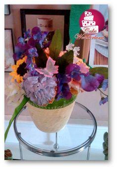 Flower pot cupcake bouquet all buttercream...Delicious