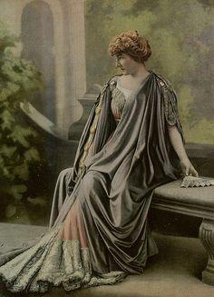 Les Modes (Paris) February 1907 robe de diner par Redfern