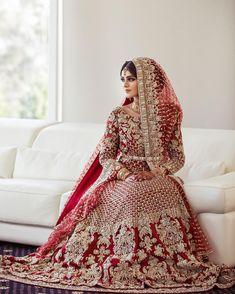 pakistani wedding dress Absolutely love her dress Photo from Isha amp; Absolutely love her dress Photo from Isha amp; Asian Wedding Dress Pakistani, Asian Bridal Dresses, Indian Bridal Outfits, Indian Bridal Wear, Pakistani Wedding Dresses, Pakistani Outfits, Indian Dresses, Dress Wedding, Heavy Dresses