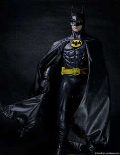 HOT TOYS 1989 BATMAN 25th Anniversary Statue