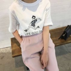 Wheretoget - White printed tee-shirt and light pink tailored pants