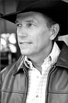 Always liked/loved :) George Strait. My mom & I went to one of his concerts in the 90's, oh-yeah! Great singer & mighty fine lookin' :)