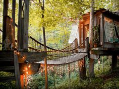 Can you believe this treehouse hotel is in the heart of Atlanta?!