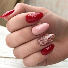 Glittery Red Valentine's Day Nail Art #rednails
