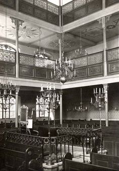 The interior of the synagogue in Bratislava before the war. On the eve of the Holocaust the Jewish community in Bratislava was the largest Jewish community in Slovakia; it was a Jewish religious and political center, and home to the renowned Pressburg Yeshiva as well as the Zionist Organization of Slovakia. In 1930 over 15,000 Jews lived in the city, constituting some 12 percent of the population.