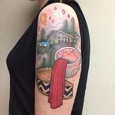 Who killed Laura Palmer? Twin peaks tattoo by Noelle Lamonica. 90s Tattoos, Cool Tattoos, Amazing Tattoos, Mandala Tattoo, I Tattoo, Twin Peaks Tattoo, Bison Tattoo, Sister Tat, Tattoo Themes